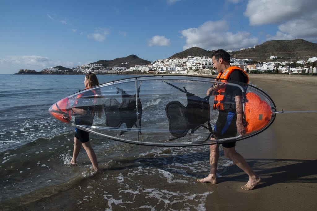 Each kayak can take 2 people and the fact of being transparent is really unique!