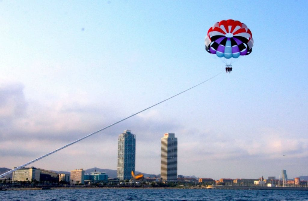 You will experience a unique sensation of free-flying with a great view of the city!