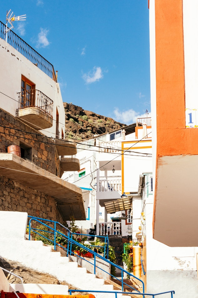 Cute towns in Gran Canaria by Krisztian Tabori